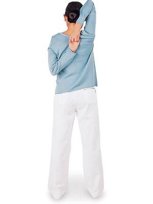 体の柔軟性をチェックするブレイン体操