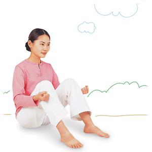消化不良の改善にヒザ下をたたくブレイン体操