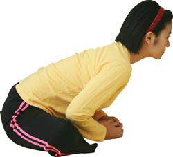 生理痛を軽くするイルチブレインヨガの動作